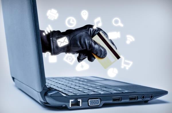 online theft / istock - ronniechua